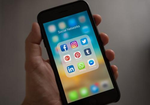 Trik Mendulang Uang Melalui Media Sosial